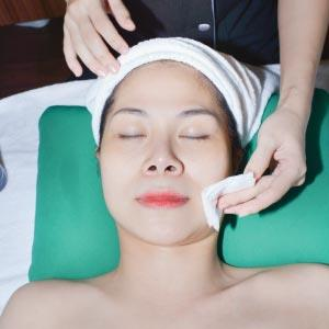 Clean the acnes depending on skin situation.