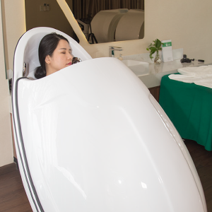 Infrared wave dome machine helps firm and increase the elasticity of skin.